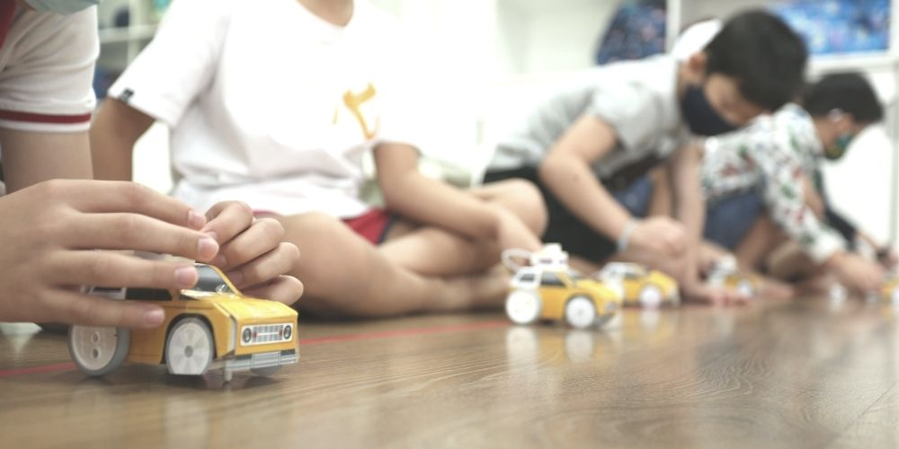 stem education in singapore, kids robotics, engineering kids, stem children, stem education kids, children's robotics classes, lego robotics workshop, young engineers reviews, robotics courses in singapore, robotics camp, kids robotics class, school of robotics singapore, robotic classes, robotics class singapore, lego robotics classes